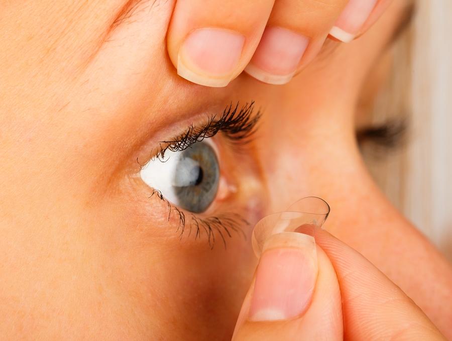 Kontaktlinsen entfernen